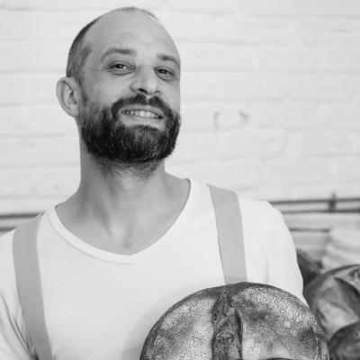 Dans les coulisses d'une boulangerie créative et saine, avec Anthony de Sain cover