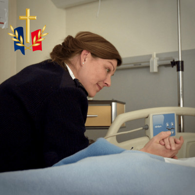 """Aumônier Peggy : """"L'hôpital est une opération extérieure"""" cover"""