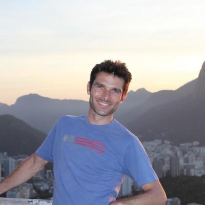 David, correspondant a Rio de Janeiro, Brésil, parle de la situation sanitaire - 09 04 2021 - StereoChic Radio cover