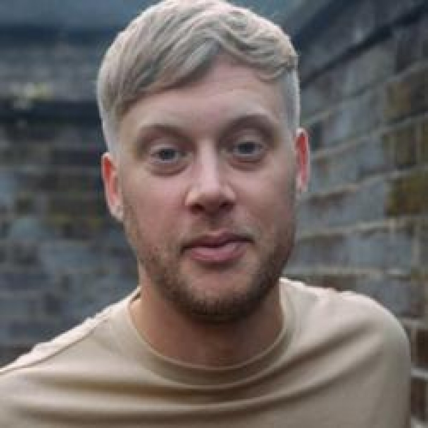 HAPPY HOUR DJ : SAM DEXTER