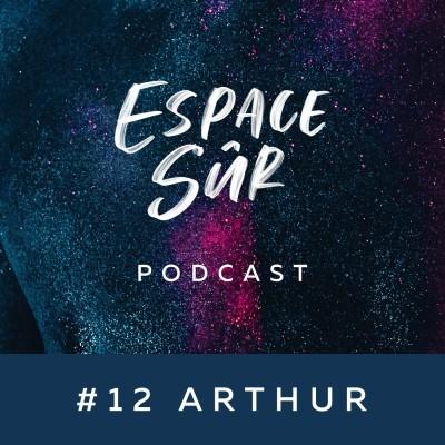 #12 Arthur (Minima Gesté) - Homme Cis Gay de 30 ans - Années lycées libératrices, première fois équivoque et Bingo Drag... cover