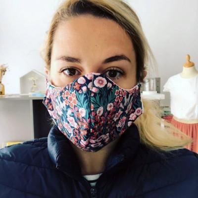 Camille, services a domicile et Pascale, fabrique des masques - Mercredi 25 Mars. J 09. cover