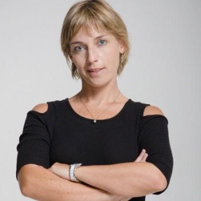 Nadia, depuis Barcelone, présente son blog Conjoints d'Expat - 30 04 2021 - StereoChic Radio cover