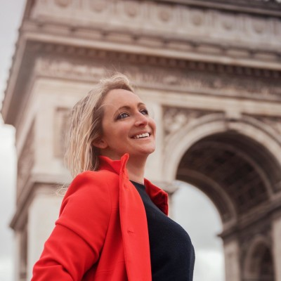 Sophie a visitée 53 pays et elle partage ses expériences - 14 10 2021 - StereoChic Radio cover