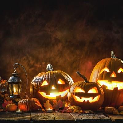 plus qu'essentiel: Halloween cover