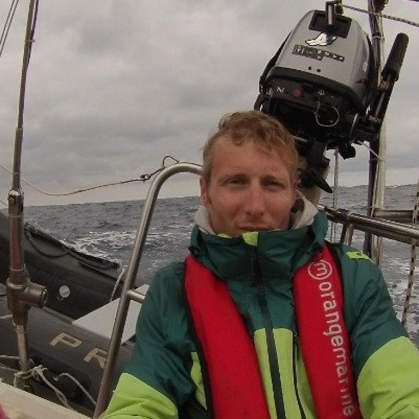 0102 - Globe Trotter : Maxime & le bateau-stop