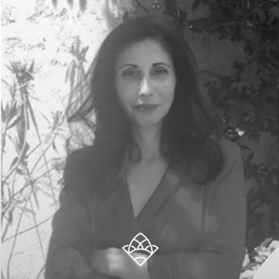 INVITÉE 47 Hiba Zielinski , Docteur et consultante en marketing, référente RSE à l'IAE Nice cover