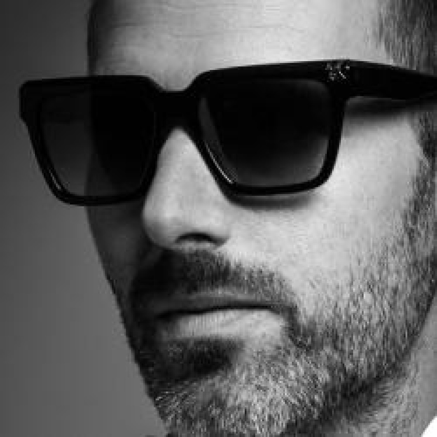 HAPPY HOUR DJ : DJ CAM