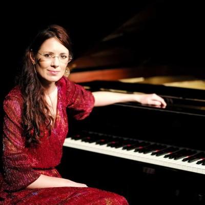 Myriam Barbaux Cohen est pianiste à Frankfurt, Allemagne - 15 07 2021 - StereoChic Radio cover