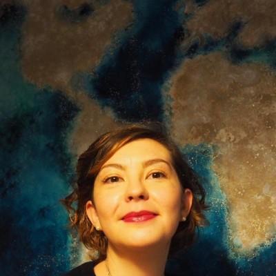 Sophie, correspondante a Londres, parle du deconfinement - 27 04 2021 - StereoChic Radio cover