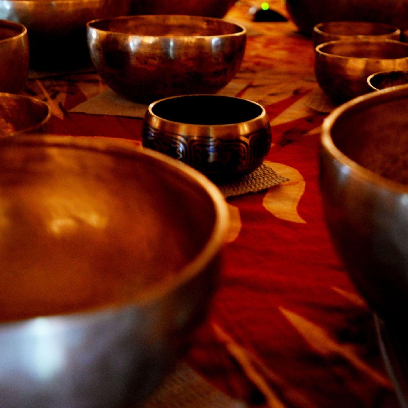 Focus Tibetan Singing Bowl and Ear Brushing