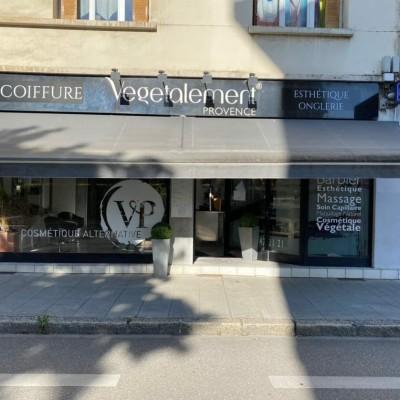 Vegétalement provence, le salon de coiffure original de Grenoble cover