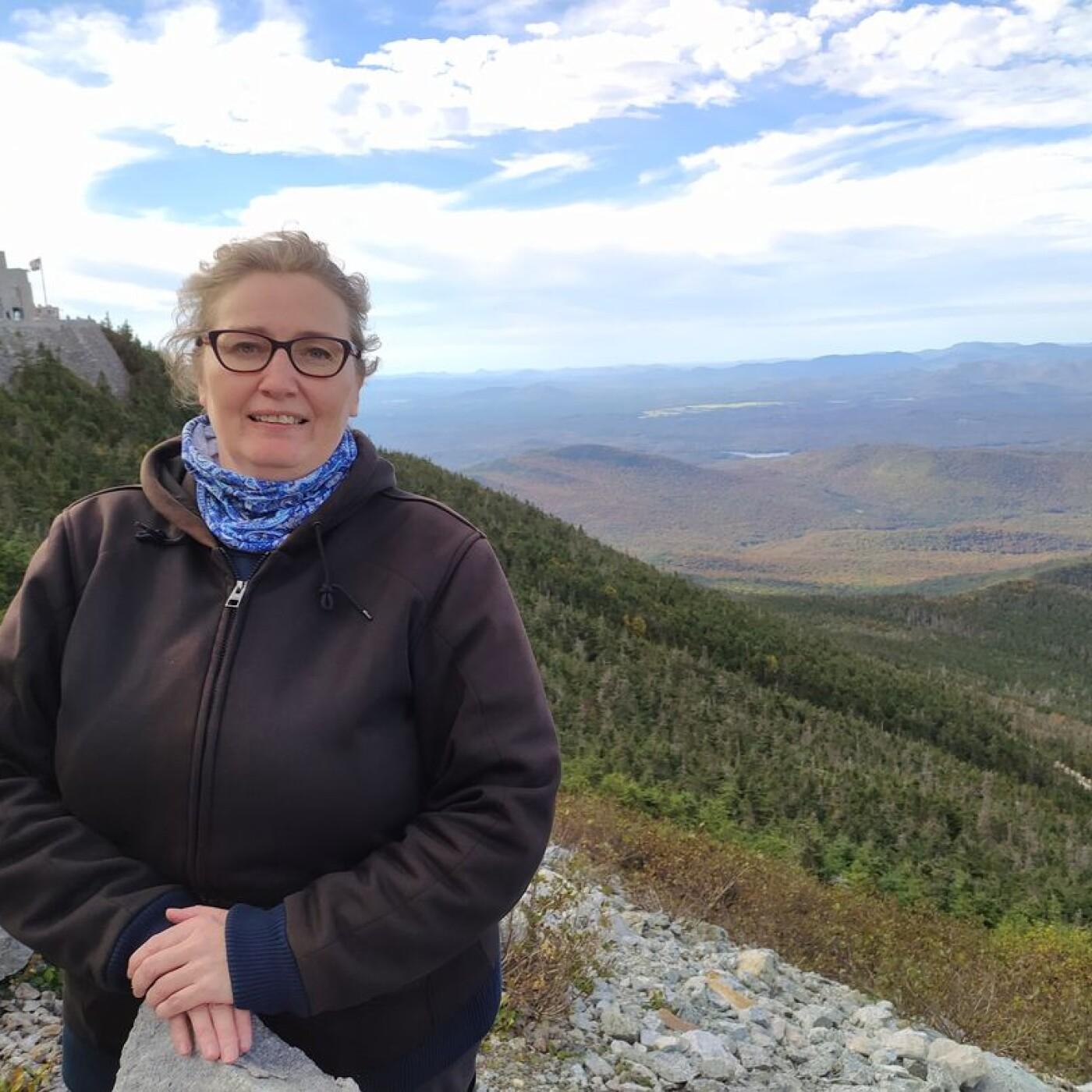 De la Cibi à Perry, écoutez le chemin de vie de Géraldine aujourd'hui installée à Adirondacks, USA - 08 10 2021 - StereoChic Radio