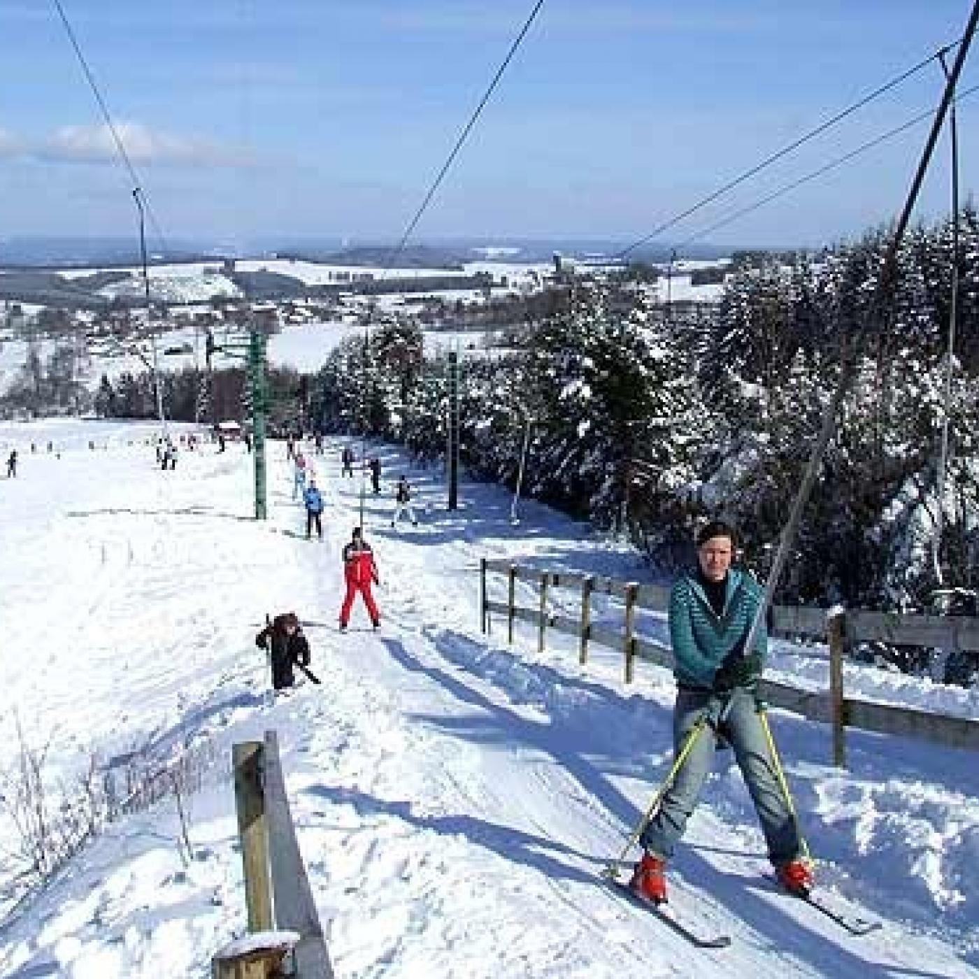Interdit de skier dans le plat pays, raconté par Thomas en Belgique - 22 12 2020 - StereoChic Radio