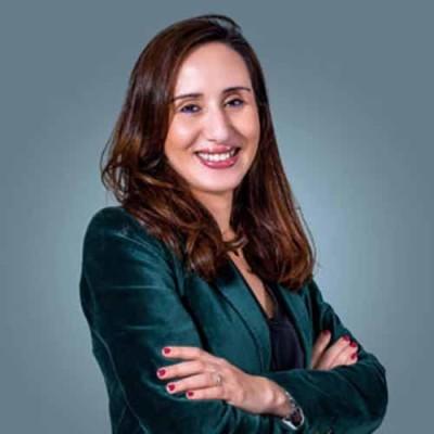 #36 : Dounia Boumehdi : La relance économique passera par les fonds de Private Equity ! cover