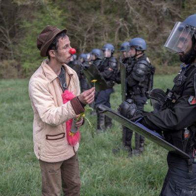 image Garonette de la brigade des clowns activistes.