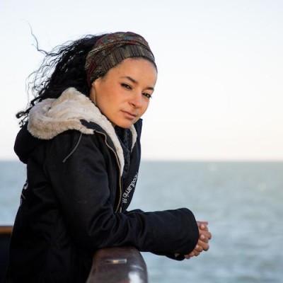 S02E18 Sea Shepherd 2/2, entre la crosse et le trident, Lamya Essemlali cover