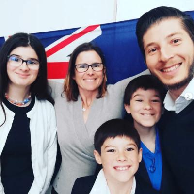 Sandrine s'est installée en Australie en famille il y a 6 ans - 05 10 2021 - StereoChic Radio cover