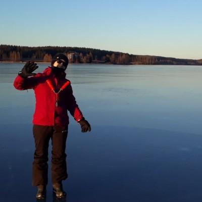 Aurore est en Finlande, une culture bien différente que la France - 14 09 2021 - StereoChic Radio cover