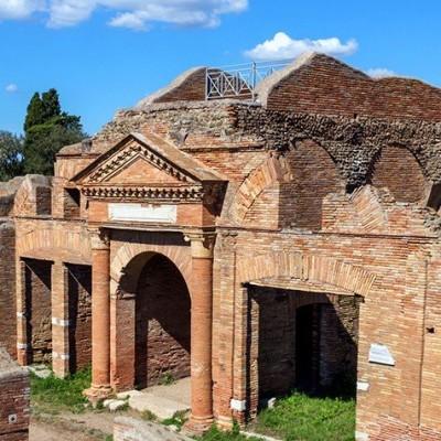 Archéologie d'une cité romaine : les fouilles à Ostie cover