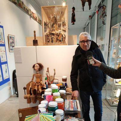 image 2 janv 19 - Dans l'atelier de Gérard Lo Monaco // Souliers rouges, avec F. Artaud