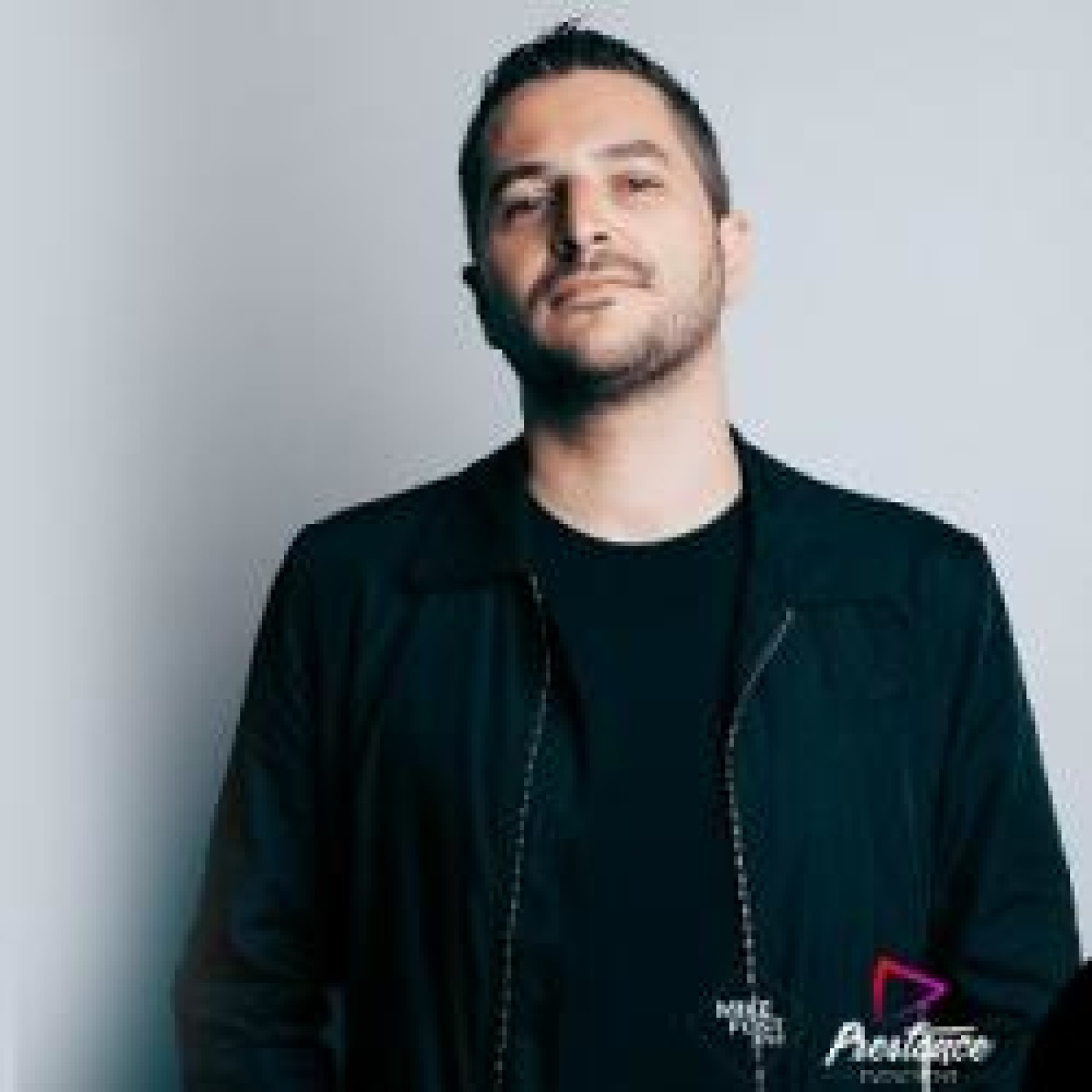 HAPPY HOUR DJ : DANNY WILD