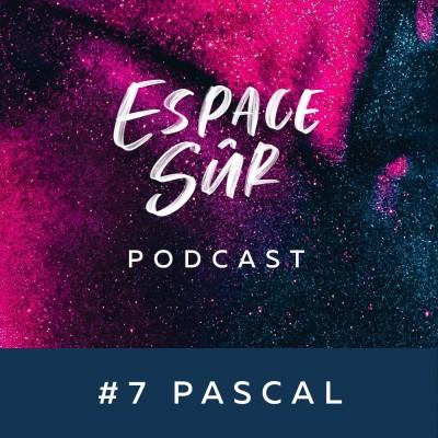 #7 Pascal - Homme Cis Gay de 30 ans - Education Chrétienne Orthodoxe, coming out calculé, organisation de shows Drag Queen... cover