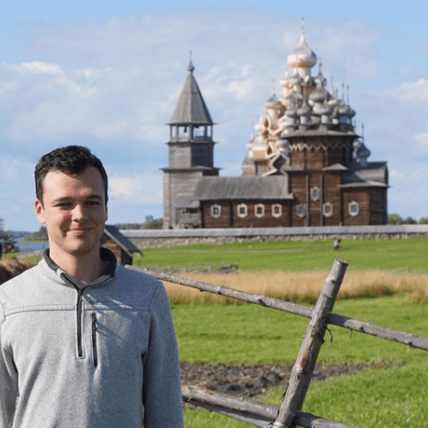 Julien parle des traditions qui different entre la France et la Russie - 29 03 2021 - StereoChic Radio