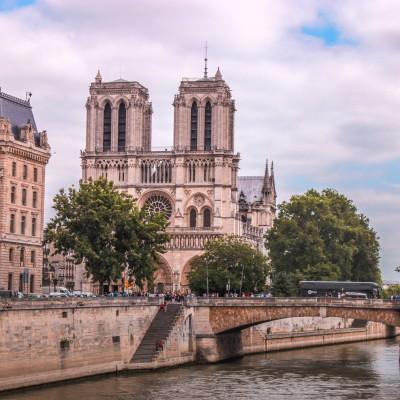 Le tourisme : la découverte des mondes - Rémy Knafou cover