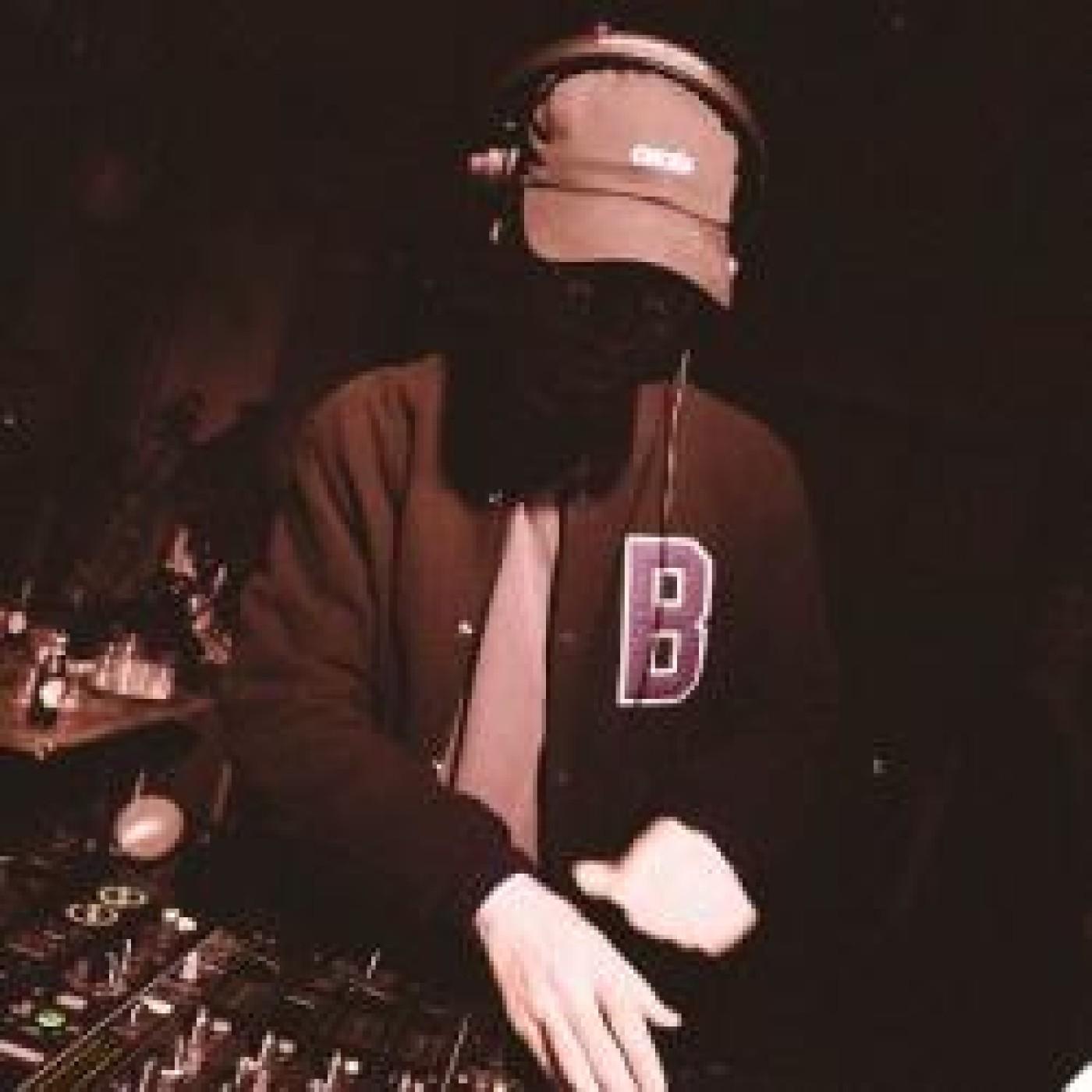 HAPPY HOUR DJ : BOSTON BUN