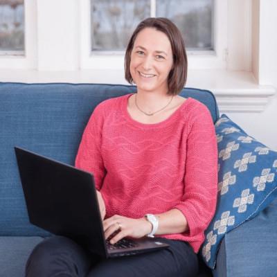 Lisa à Philadelphie (Usa) est spécialiste des réseaux sociaux - 17 06 2021 - StereoChic Radio cover