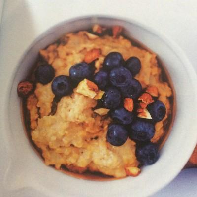 Flocons d'avoine, bleuets et noisettes cover