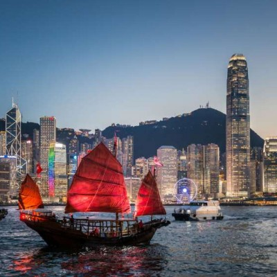 Nicolas, règles strictes anti coronavirus à Hong Kong - 01 12 2020 cover