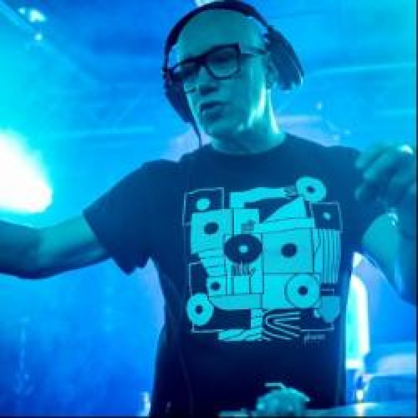 HAPPY HOUR DJ : PATRICK VIDAL