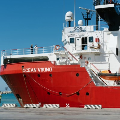 Table ronde SOS Méditerranée - avec Alexia Barrier, Hara Kaminara, Sophie Beau cover