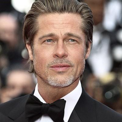 Jean-Pierre Michaël : la voix française de Brad Pitt / Johnny Depp / Ben Affleck ... cover