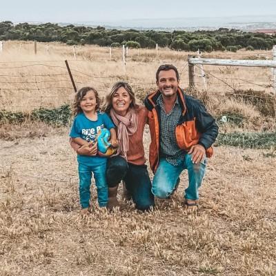 Jenny, Nathan, Louie, Merlot visitent l'Australie - 03 09 2021 - StereoChic Radio cover