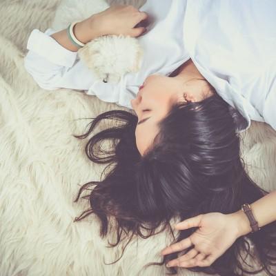 Confinement et sommeil : vous aussi vous avez du mal ? cover