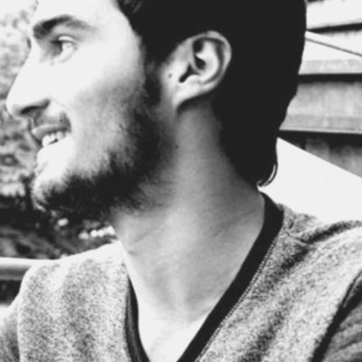 La voix de Florian Guénet, rédacteur web freelance cover
