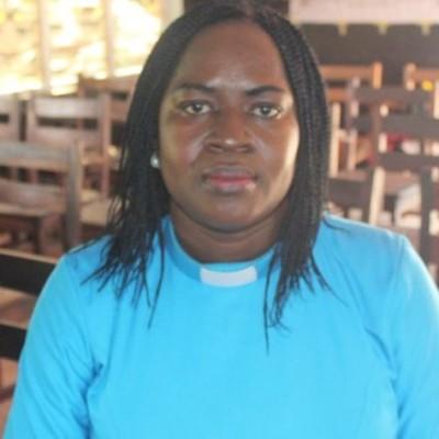 Episode 6 - Fifamé Fidèle Houssou Gandonou : une pasteure féministe au Bénin cover