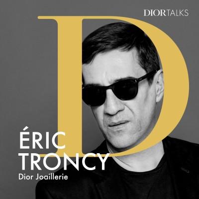 [Joaillerie] Eric Troncy, critique d'art et commissaire d'exposition, interroge Victoire de Castellane sur son processus créatif cover