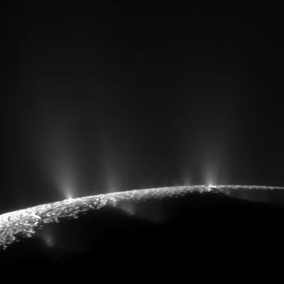 Mars et Encelade - Le méthane est-il un signe de vie ? cover