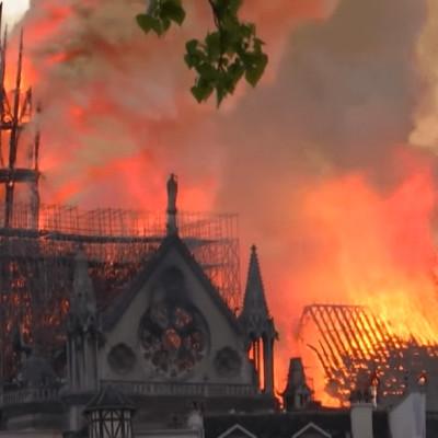 Notre Dame de Paris brulait il y a 1 an, qui connait son histoire ? cover