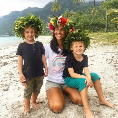 Coucou Les Filles #23 - Solene parle de sa vie a Tahiti - 31 03 2021 - StereoChic Radio cover