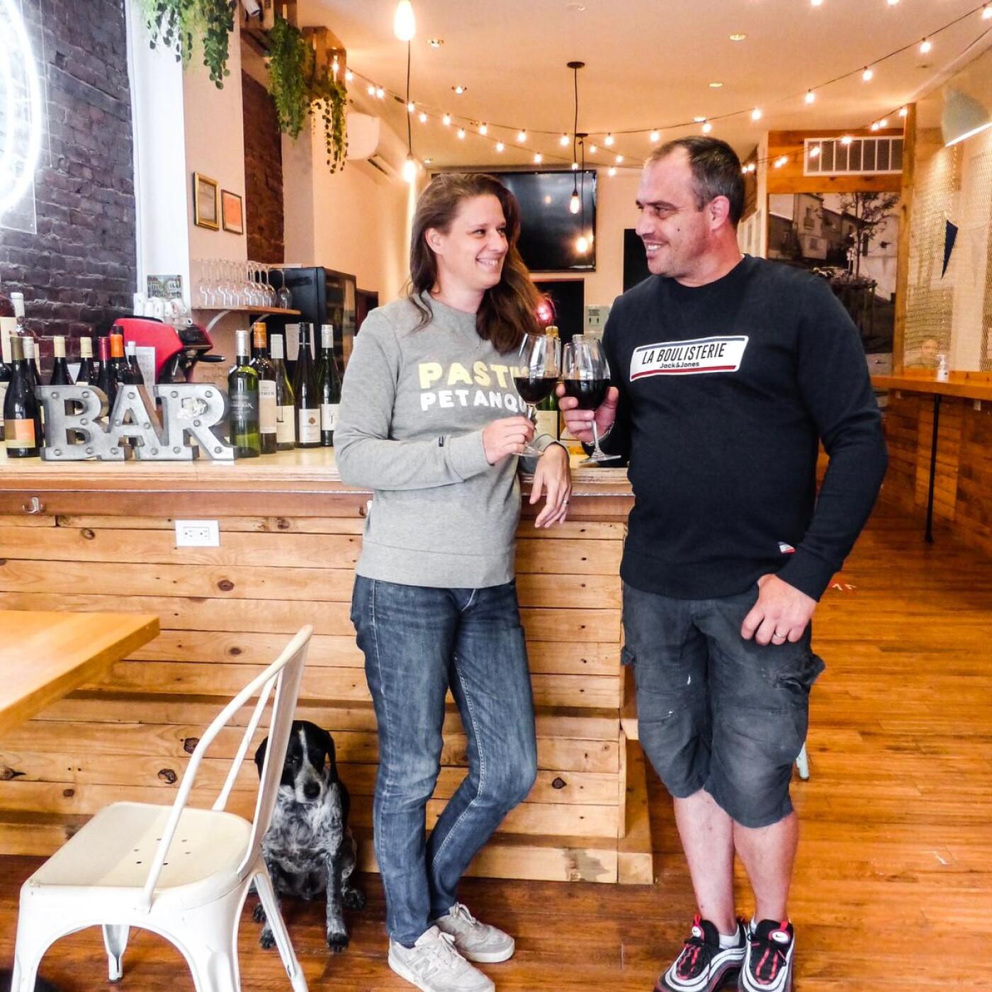 Alexandra ouvre son bar a vin a NewYork, en partenariat avec LePetitJournal NY - 07 04 21 - StereoChic Radio