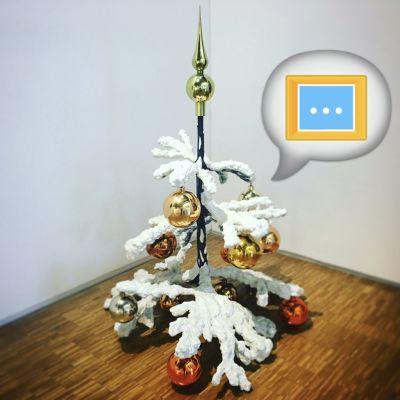 """image [n°31] """"Fraught Times (...)"""" : avec Philippe Parreno, ça sent le sapin (de Noël)"""