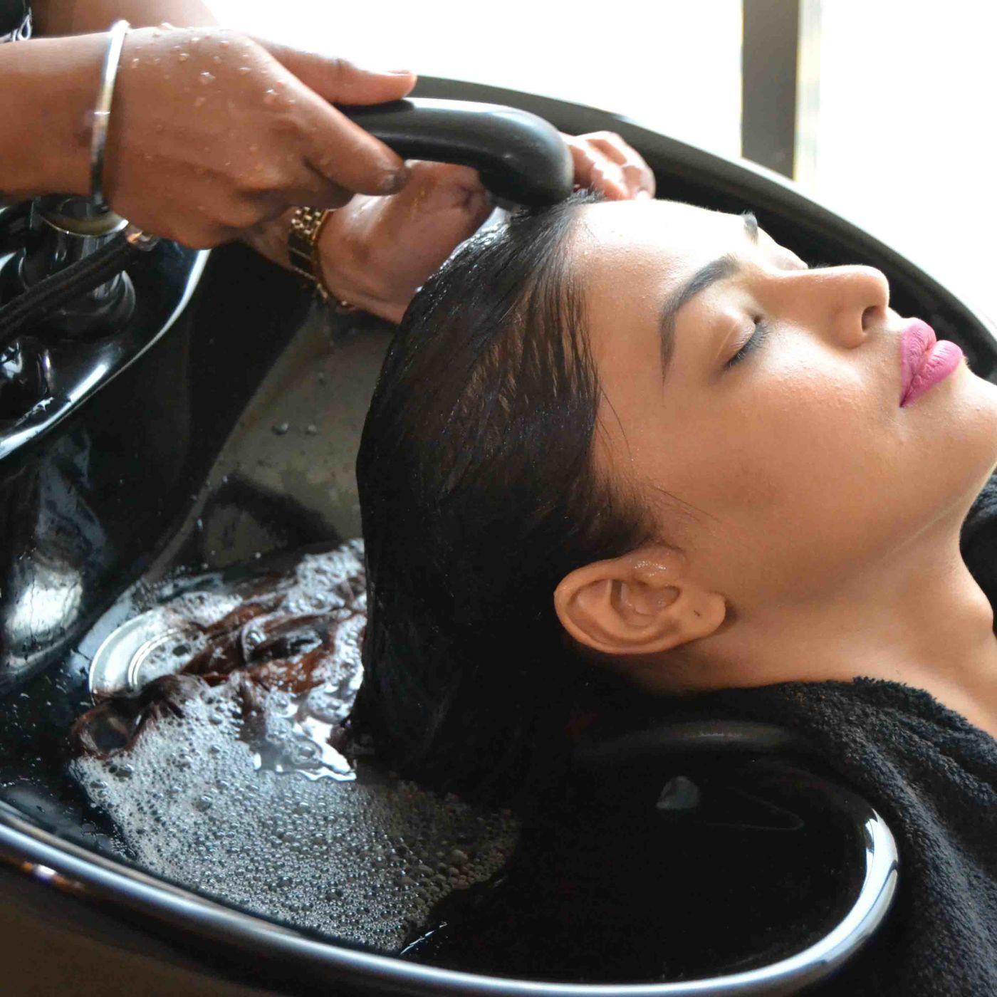 Gentle Shampoo and Massage