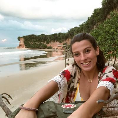 Julie vient d'arriver au Brésil pour un an de PVT - 16 04 2021 - StereoChic Radio cover
