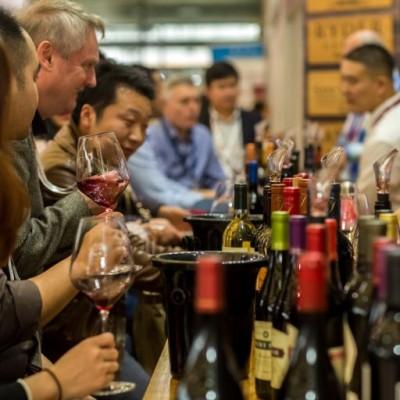 image 896e émission : les journalistes du vin