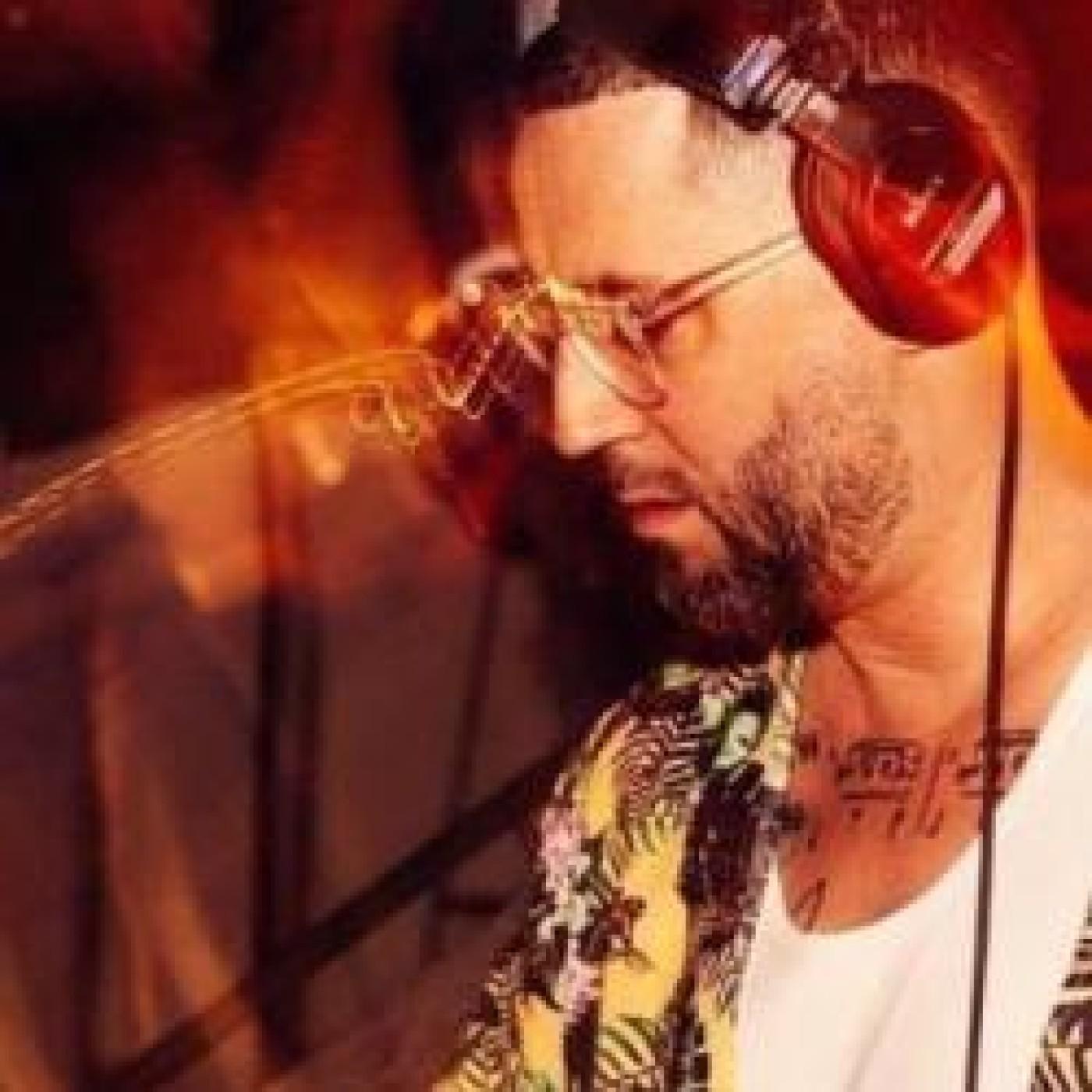 HAPPY HOUR DJ : SAM KARLSON